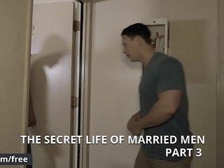 (Bud Harrison, Tobias) - The Secret Life Of Married Men Part 3 - Str8 to Gay - Men.com