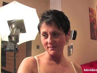 Bbvideo.com Bi german milf gets fucked in threesome